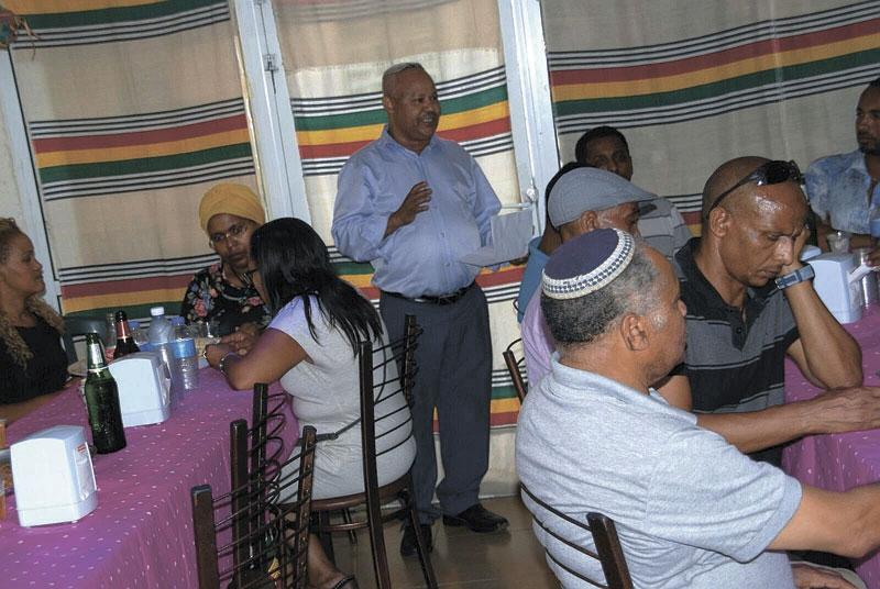 מפגש ארגון אנדנת עם חברי הקהילה האתיופית. צילום: באדיבות אנדנת