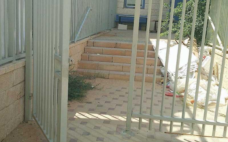 שער מתחם הגנים בנווה גן פתוח לרווחה