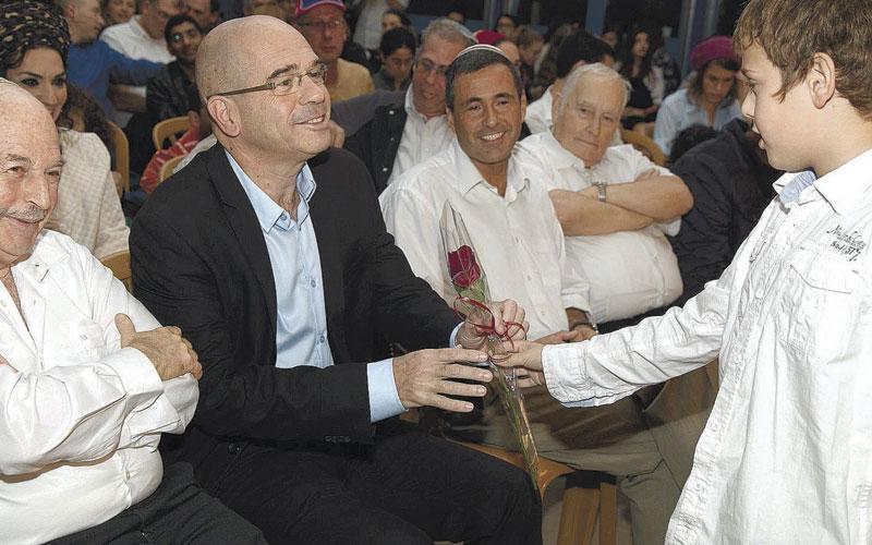 ראש העיר איציק ברוורמן בחנוכת סניף בני עקיבא