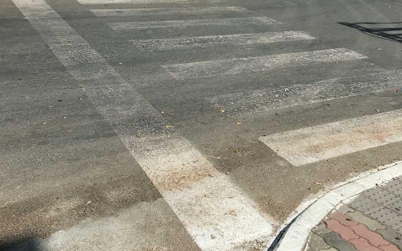 האם פתח תקווה מסוכנת לקשישים בכבישים. צילום עמותת אור ירוק