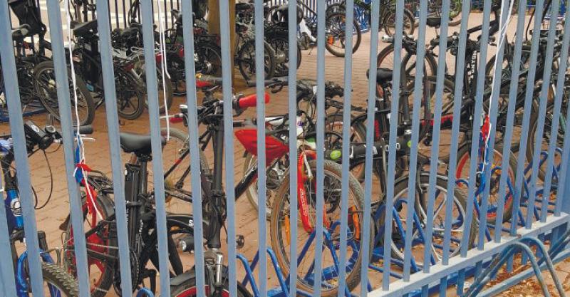חניית האופניים בחטיבת היובל צילום יוסי קופרברג