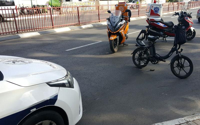 זירת התאונה בין האופניים למשאית. צילום איחוד הצלה