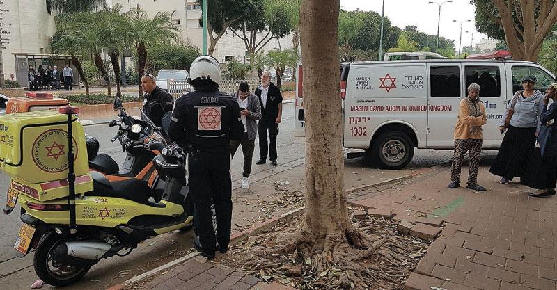 תאונה ברחוב מנחם בגין בפתח תקוה. צילום דוברות הצלה פתח תקוה