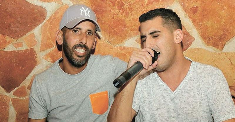 גיא יהוד ורואי חי גרסי מסיבת הפתעה יום הולדת בברקוד. צילום שמעון זעפרני