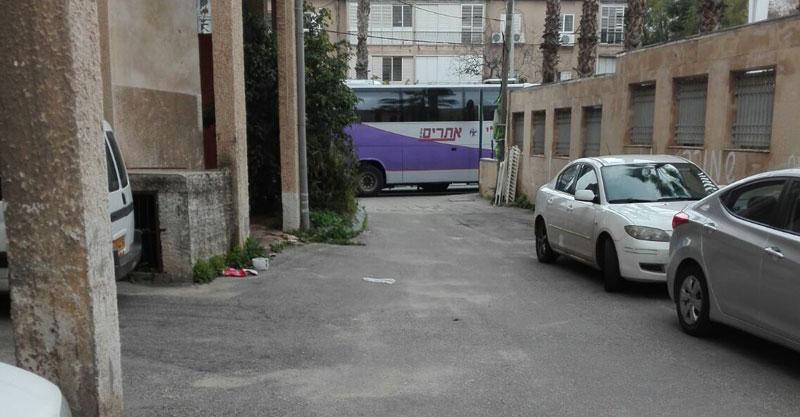 חניית אוטובוסים היכל התרבות. צילום איתי עינב