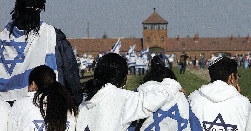 תלמידים מישראל מבקרים באושוויץ צילום janek skarzynski