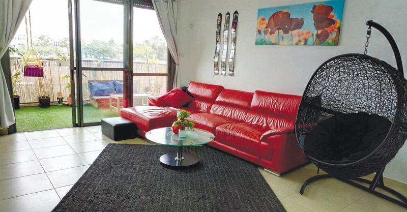 דירת 5 חדרים ברחוב עזריאל שבשכונת נווה דקלים פתח תקוה