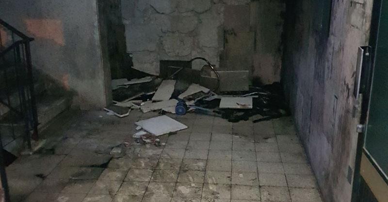 שריפה בחדר מדרגות ברחוב קלאוזנר צילום באדיבות שירותי הכבאות