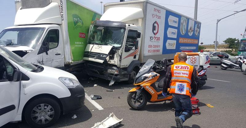 תאונת דרכים כביש 40 צילום איחוד הצלה