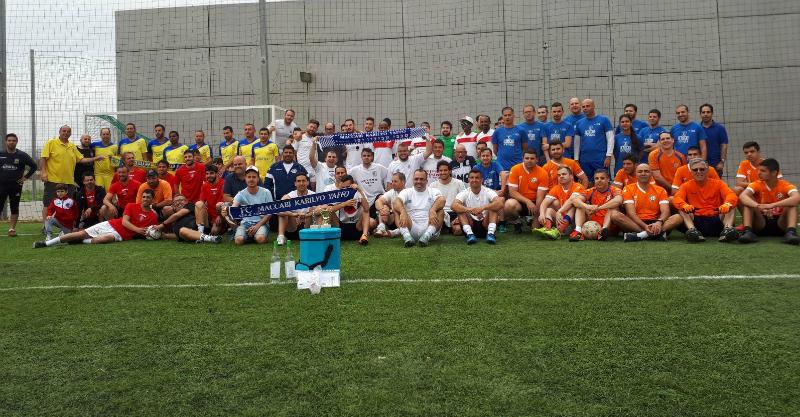כל משתתפי הטורניר. צילום באדיבות עמותת הכחולה