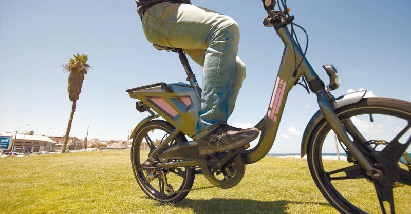 אופניים חשמליים. צילום דודו בכר