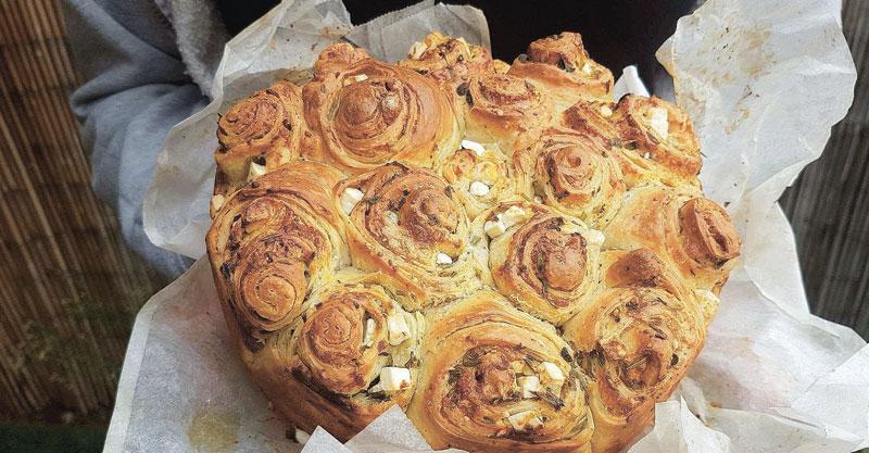 בריוש מלוח עם גבינות ועשבי תיבול_ קמיליה קייטרינג וקונדיטורית בוטיק קמי צור