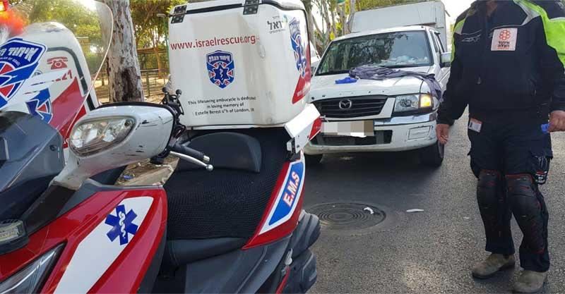 זירת התאונה ברחוב עובדיה יוסף צילום איחוד הצלה