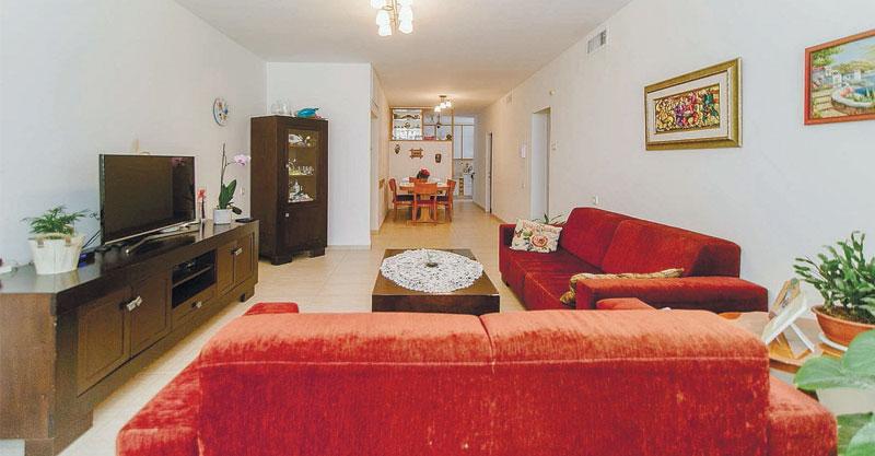 הצעת השבוע פתח תקוה. דירת 4 חדרים ברחוב אורלנסקי שבאזור המרכז השקט