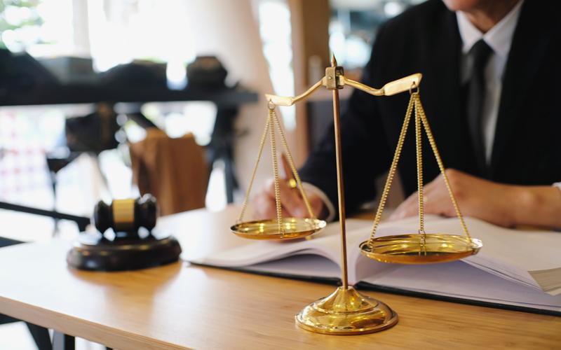 עורכי הדין המומלצים בפתח תקווה (אילוסטרציה מאתר ingimage)