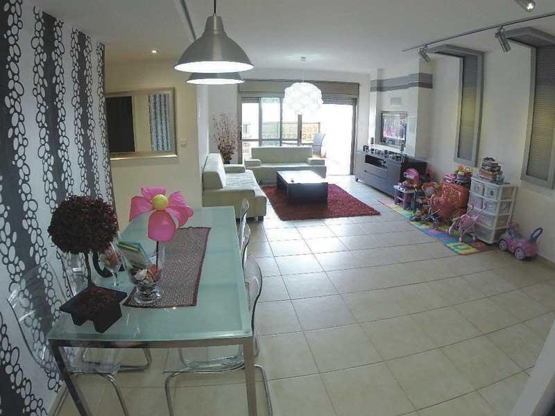 הצעת השבוע של מלאבס - דירת 4 חדרים ברחוב דוד אבידן שבשכונת כפר גנים ג'
