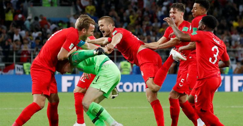 שחקני אנגליה חוגגים את הניצחון על קולומביה. צילום: רויטרס