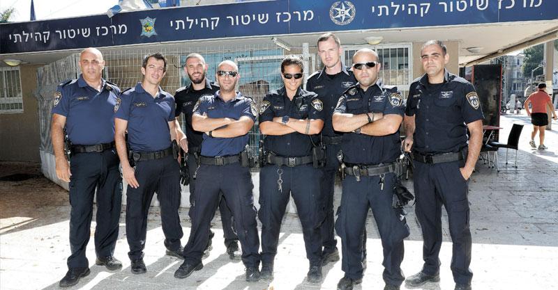 יחידת שיטור קהילתי תחנת כיכר המייסדים בפתח תקוה צילום עזרא לוי