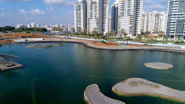 """האגם האקולוגי. צילום מחלקת הדוברות של עיריית פ""""ת"""