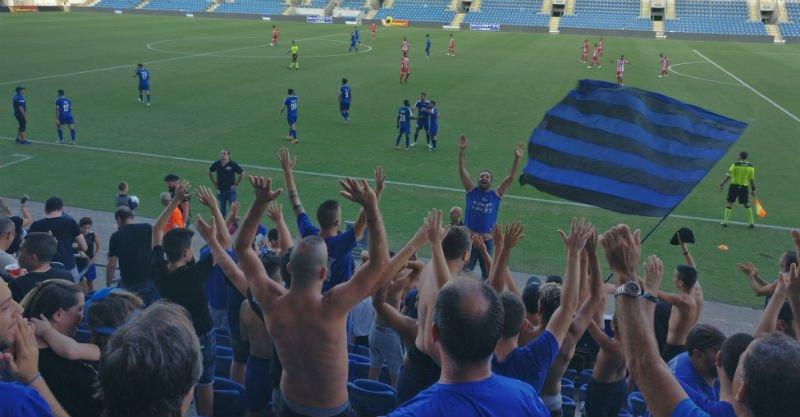 השחקנים חוגגים את שער הניצחון