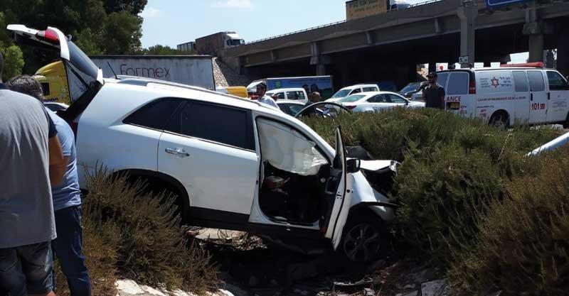התאונה ירקונים קרדיט צילום דוברות הצלה פתח תקווה