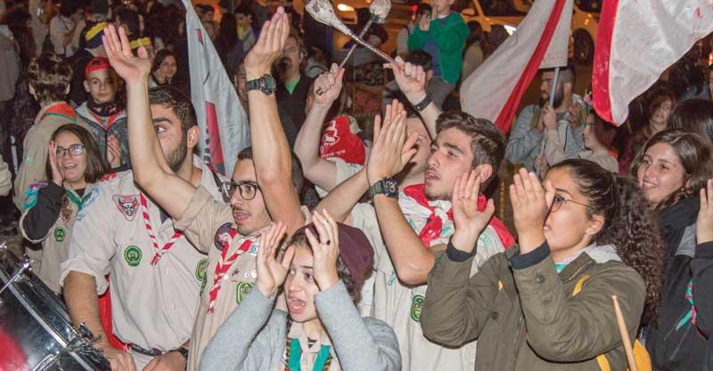 הצופים-במצעד-לפידים-צילום-עיריית-פתח-תקוה