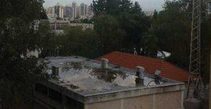 מים על גג בית הספר - מדור מאירה