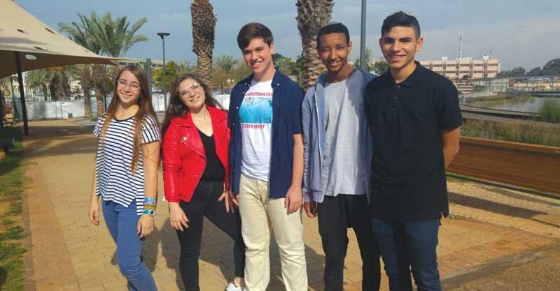 המתמודדים לבחירות יור מועצת הנוער העירונית. צילום באדיבות אגף הנוער