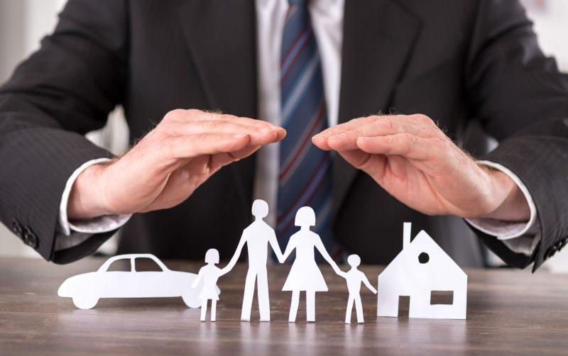 סוכני ביטוח בפתח תקוה. אילוסטרציה ממאגר Shutterstock