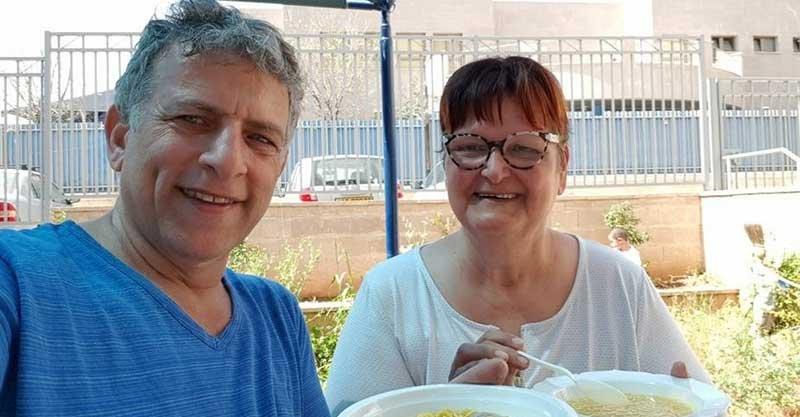 """דליה סניור ז""""ל עם סגן ראש העיר צדוק בן משה"""