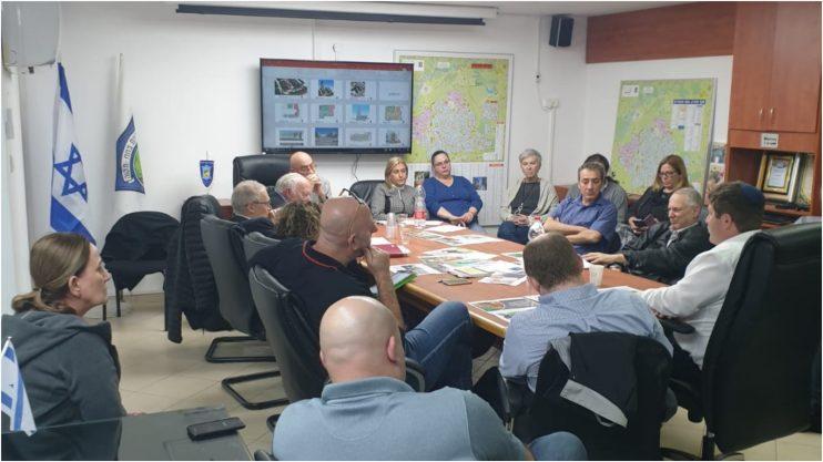 הפגישה בנושא מרכז התעסוקה צילום דוברות העירייה