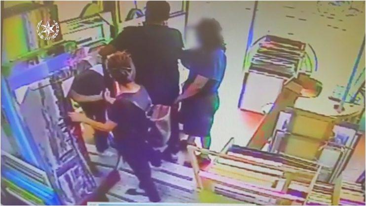גנבים כייסו אזרחים