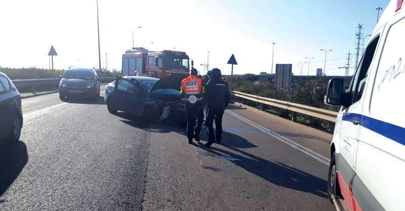 התאונה בכביש 5 צילום דוברות הצלה פתח תקווה תמונה אין קשר לתוכן הכתבה
