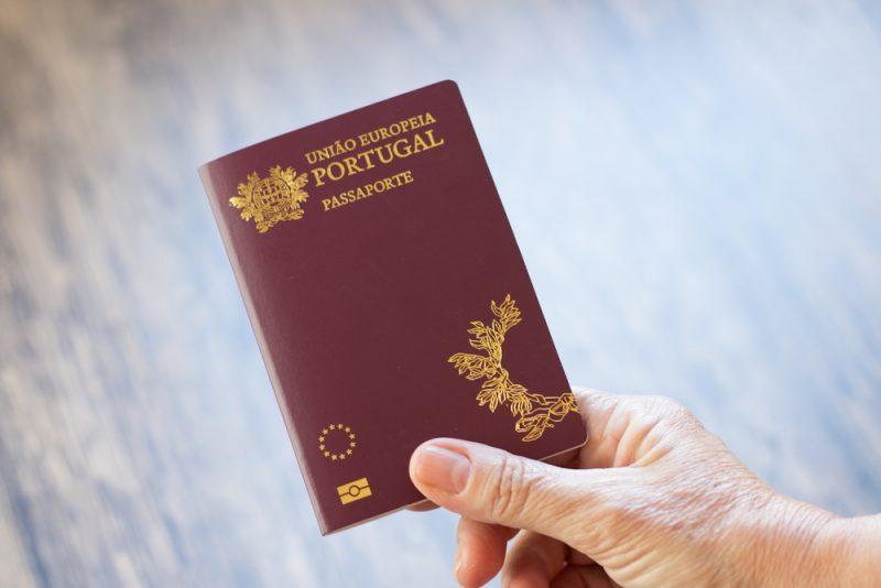הוצאת דרכון פורטוגלי. תמונה ממאגר Shutterstock