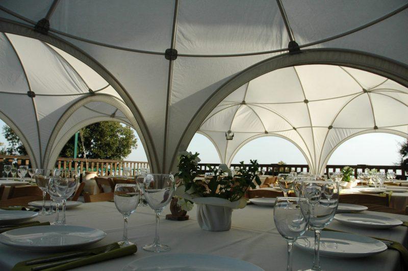 אוהלים שיוצרים אווירה אלגנטית ומיוחדת. צילום: דוממוד ישראל