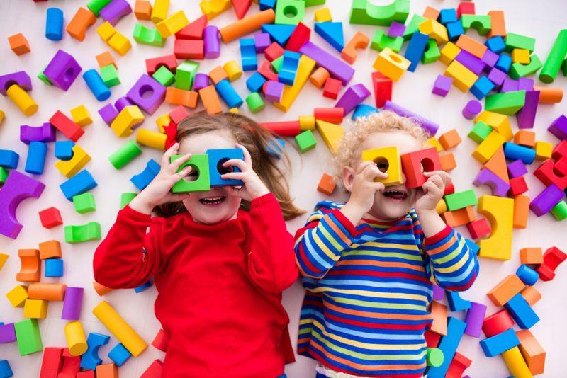 הכשרות מאמנים לטיפול בילדים. תמונה ממאגר Shutterstock