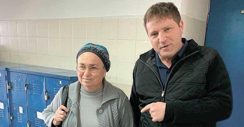 רמי גרינברג והמחנכת שלו לשער ציפי ברונשטיין. צילום אמית בר אילן