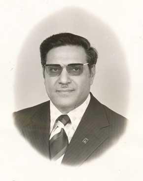 """ד""""ר מנשה רחימא בשנת 1971 צילום באדיבות הארכיון לתולדות פתח תקוה ע""""ש עודד ירקוני"""