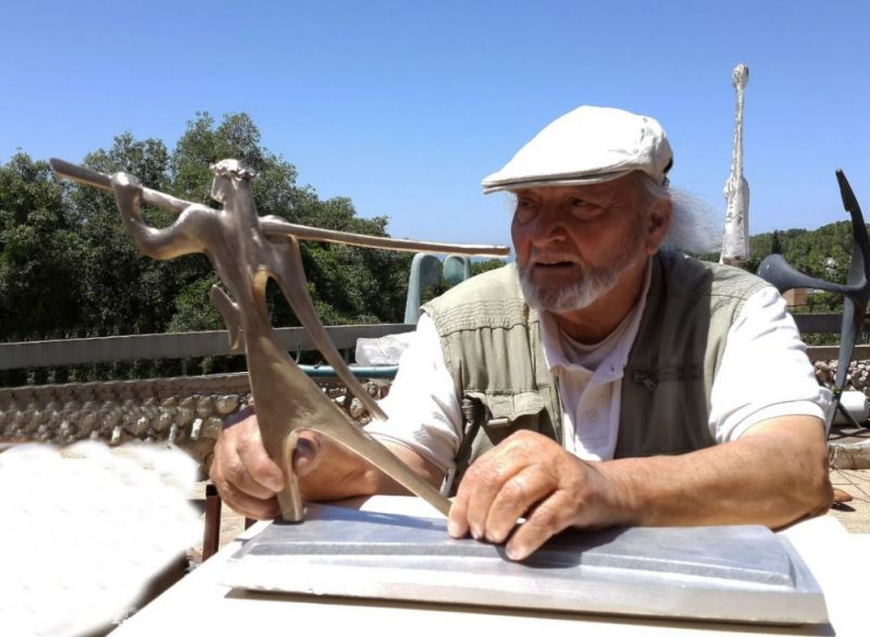 Victor Halvani works on his new Spies. Photographer: Yuval Halvani
