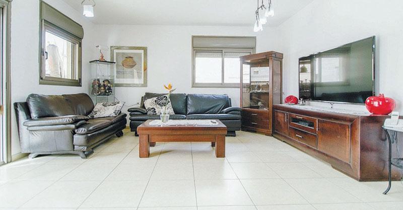 הצעת השבוע. דירת 5 חדרים ברחוב העצמאות בשכונת כפר גנים ג'