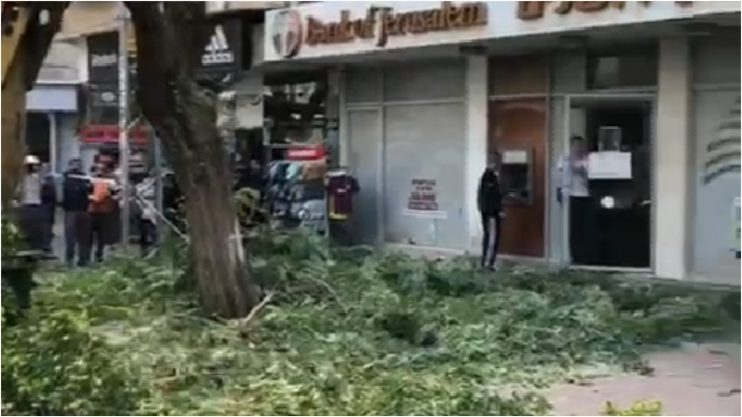 פגיעה בכבל חשמל במדרחוב ההגנהצילום: אמילי אשכנזי