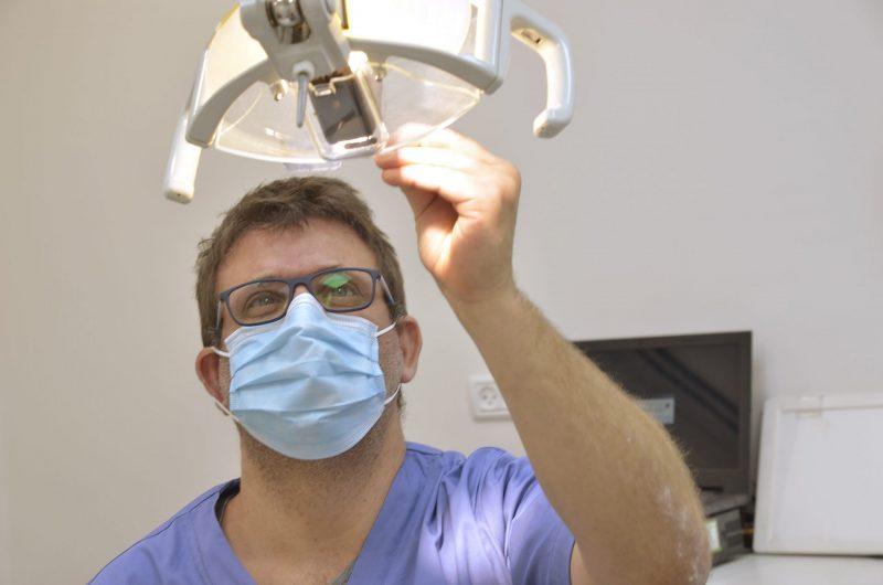 השתלת שיניים ברמה גבוהה. צילום: אליו נודלמן