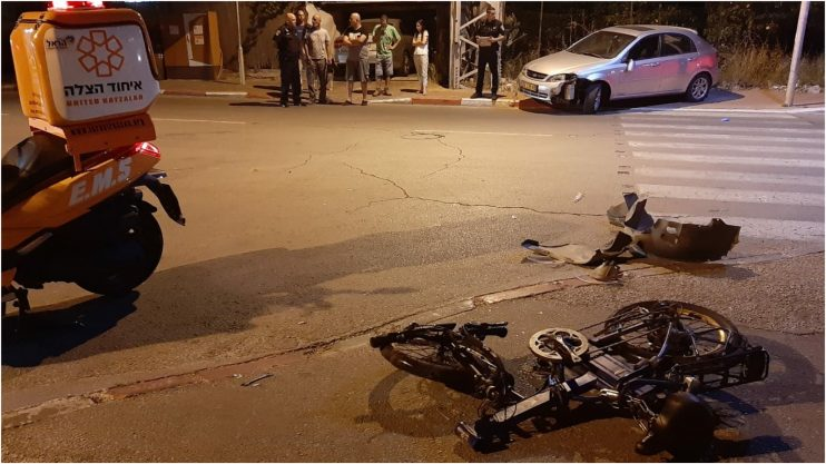 צעיר שנפצע בינוני מתאונה עם האופניים החשמליים. צילום דוברות איחוד הצלה