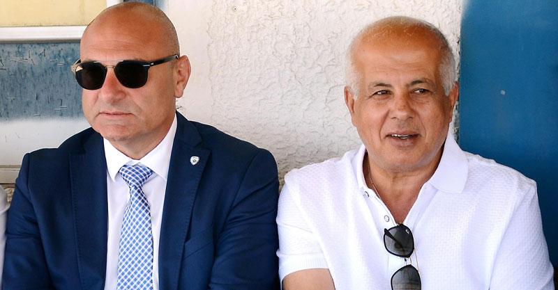 אבי לוזון ושינו זוארץ במשחק האליפות של קבוצת הנוער. צילום: זאב שטרן