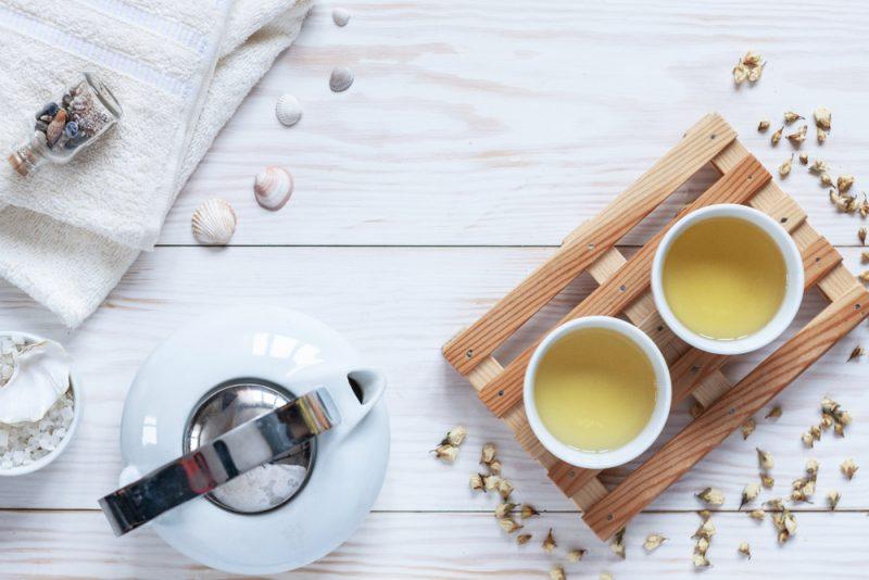 מטפל ברפואה סינית בפתח תקוה. תמונה ממאגר Shutterstock
