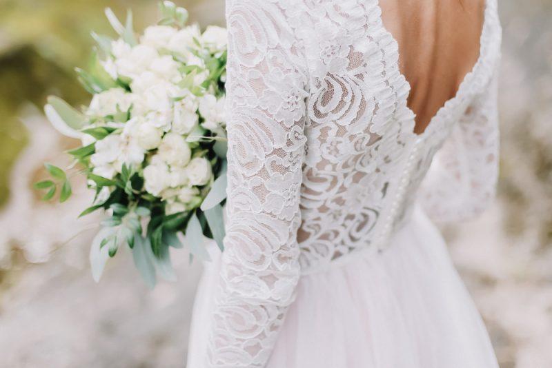 מעצבי שמלות כלה במרכז. תמונה ממאגר Shutterstock By paralisart