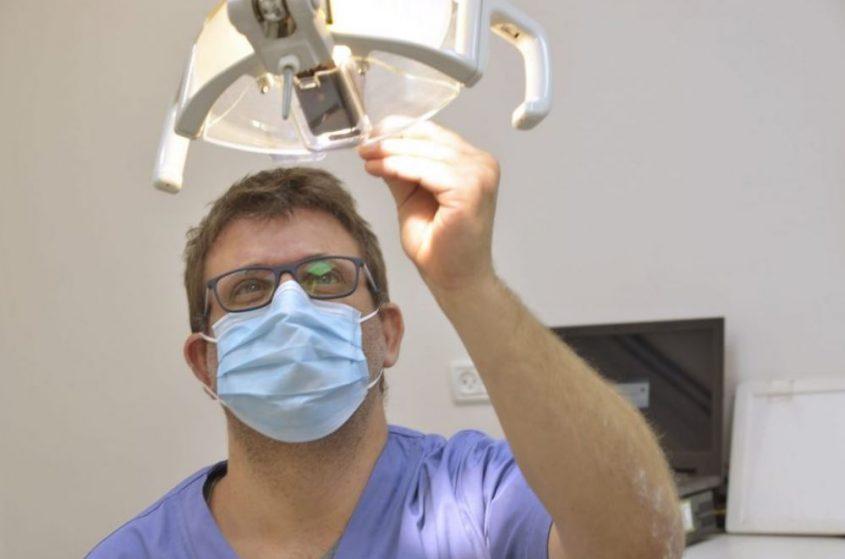 Имплантация зубов на высоком уровне. Фото: Эли Нудельман