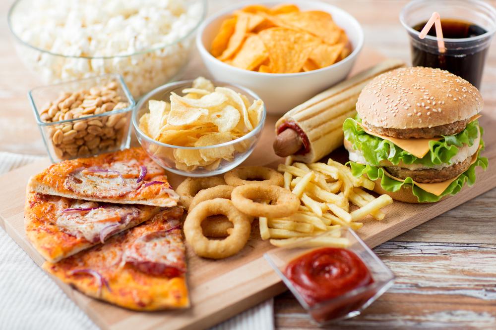 מזון מהיר בפתח תקוה. (Shutterstock) צילום: Syda Productions