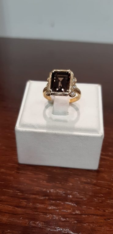 טבעת בעיצוב אישי. צילום עצמי