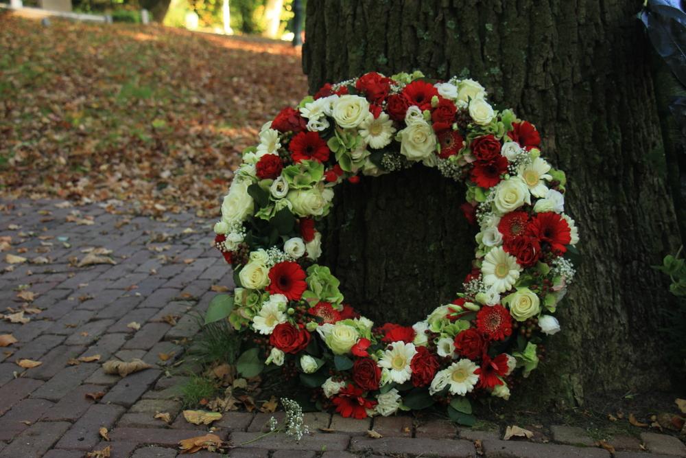 שירותי קבורה בפתח תקוה (Shutterstock) צילום:StudioPortoSabbia